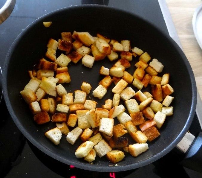 Minestra mit Bleichsellerie un Paprika,Obstsalat,vegetarisch (13)