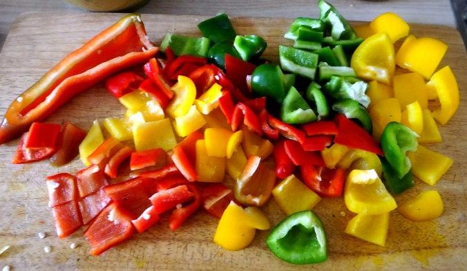 Minestra mit Bleichsellerie un Paprika,Obstsalat,vegetarisch (6)