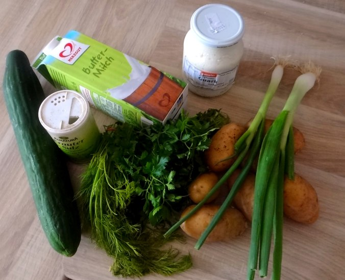 Quak,Gurkensalat,Radieschensalat,Pellkartoffeln,vegetarisch (3)