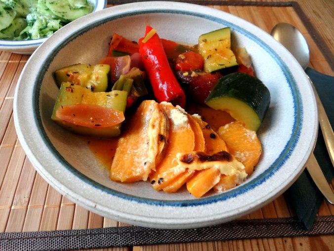 Ratatouille grob,Süßkartoffel Gratin,Obstsalat (19)