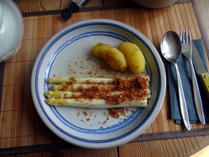 Spargel aus dem Ofen,Pellkartoffeln,Obstsalat (14)