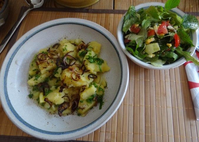 Wildkräuter Salat,Boullion Kartoffeln (26)