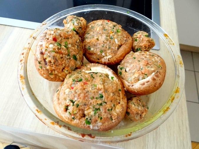Gefüllte Portobello,Kartoffelstampf mit Rucola,Salate (11)