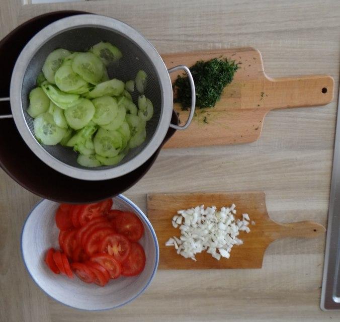 Gefüllte Portobello,Kartoffelstampf mit Rucola,Salate (12)