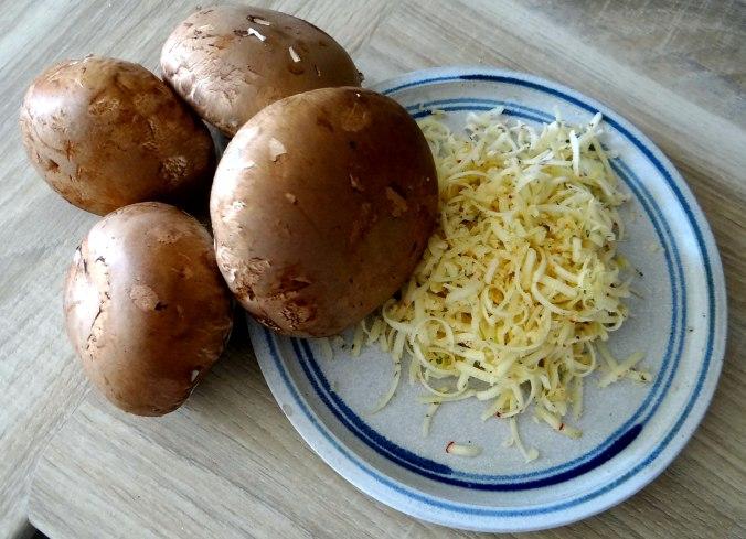 Gefüllte Portobello,Kartoffelstampf mit Rucola,Salate (6)