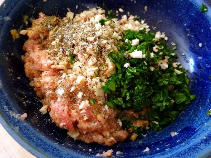 Gefüllte Portobello,Kartoffelstampf mit Rucola,Salate (9)