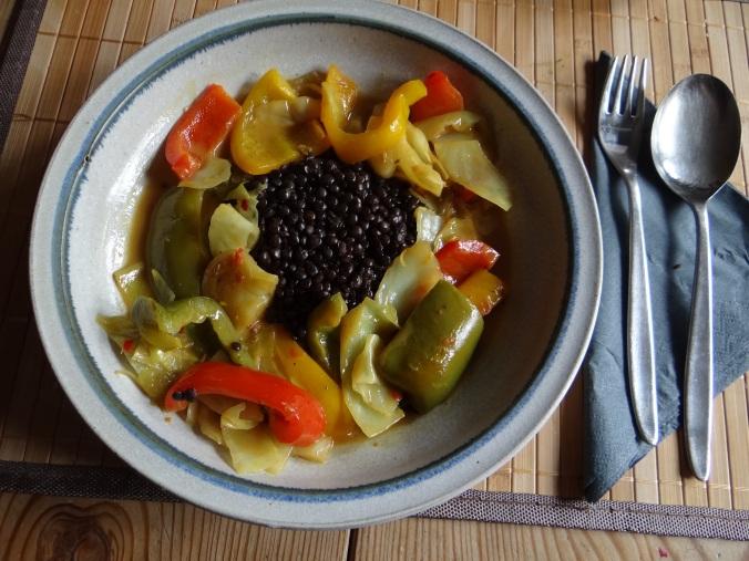 Gemüse in Kokosmilch mit Belugalinsen (1)