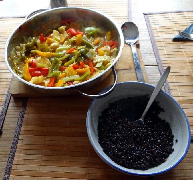 Gemüse in Kokosmilch mit Belugalinsen (11)