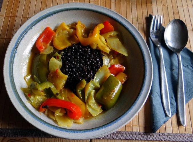 Gemüse in Kokosmilch mit Belugalinsen (13)