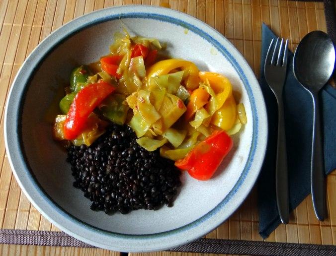 Gemüse in Kokosmilch mit Belugalinsen (2)