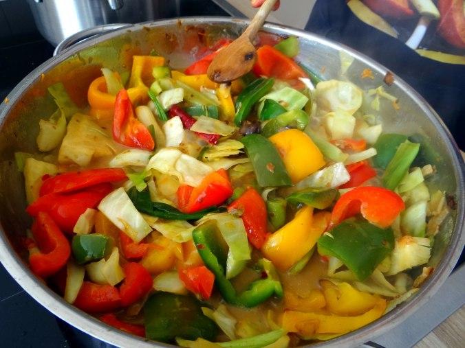 Gemüse in Kokosmilch mit Belugalinsen (9)