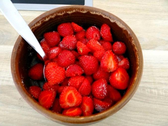 Kohlrabisuppe,Erdbeeren (5)
