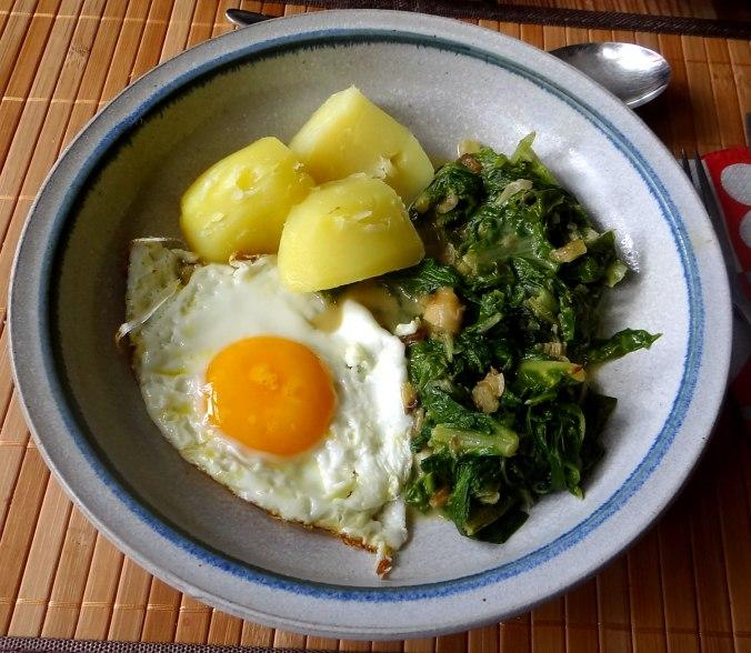 Mangold,Salzkartoffeln,Spiegelei,vegetarisch (21)