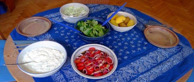 Quark,Salate,Pellkartoffeln,Obstsalat (3)