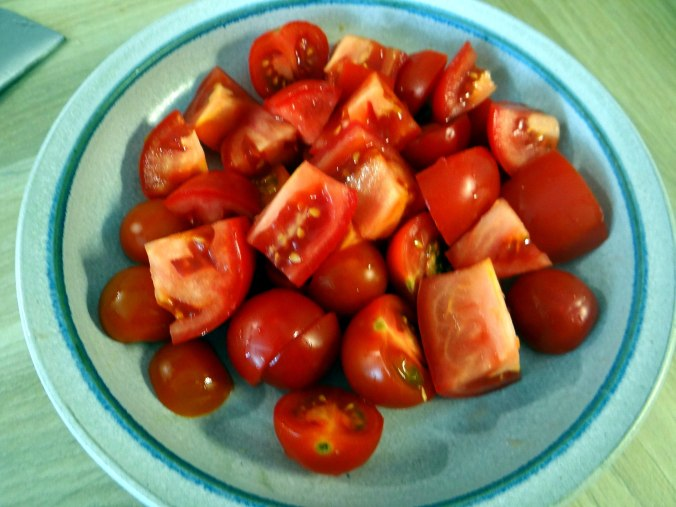 Rührei mit Tomaten,Pellkartoffeln,Gurkensalat,Erdbeeren,vegetarisch (10)