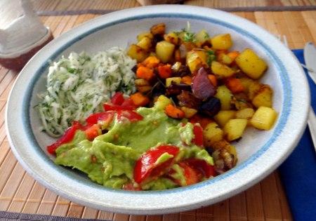 Rohgebratene Kartoffeln,Guacamole,Kohlrabisalat,Zitronenmuffins, , (16)