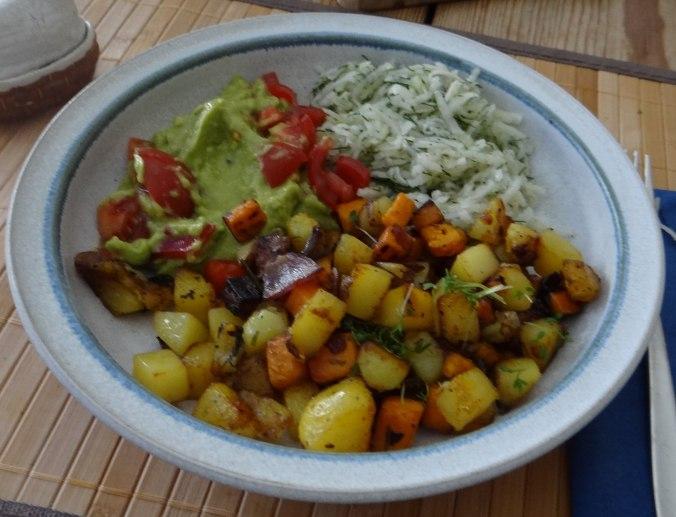 Rohgebratene Kartoffeln,Guacamole,Kohlrabisalat,Zitronenmuffins, , (17)