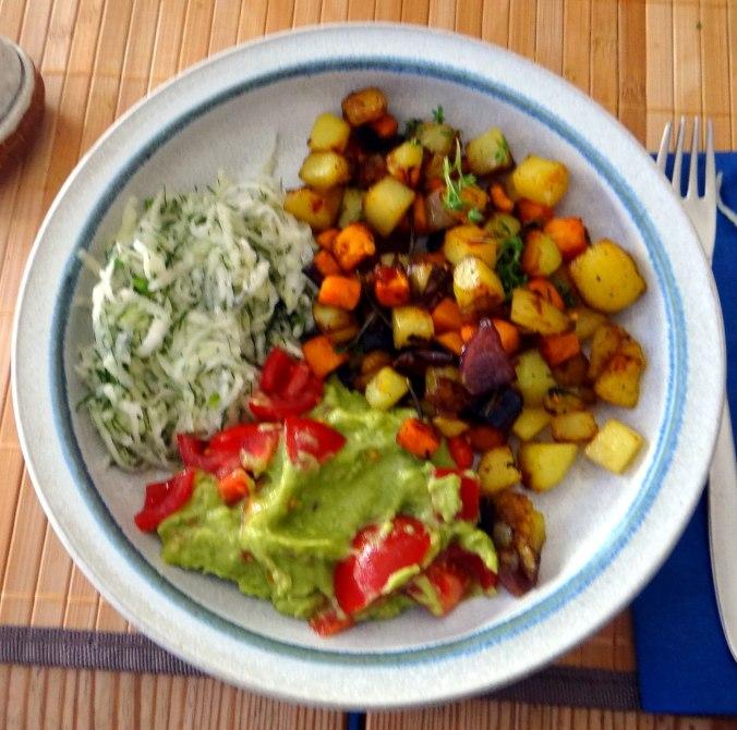 Rohgebratene Kartoffeln,Guacamole,Kohlrabisalat,Zitronenmuffins, , (2)