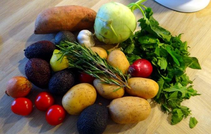 Rohgebratene Kartoffeln,Guacamole,Kohlrabisalat,Zitronenmuffins, , (5)
