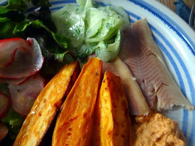 Süßkartoffel Spalten,Feta Creme,Salate (17).JPG