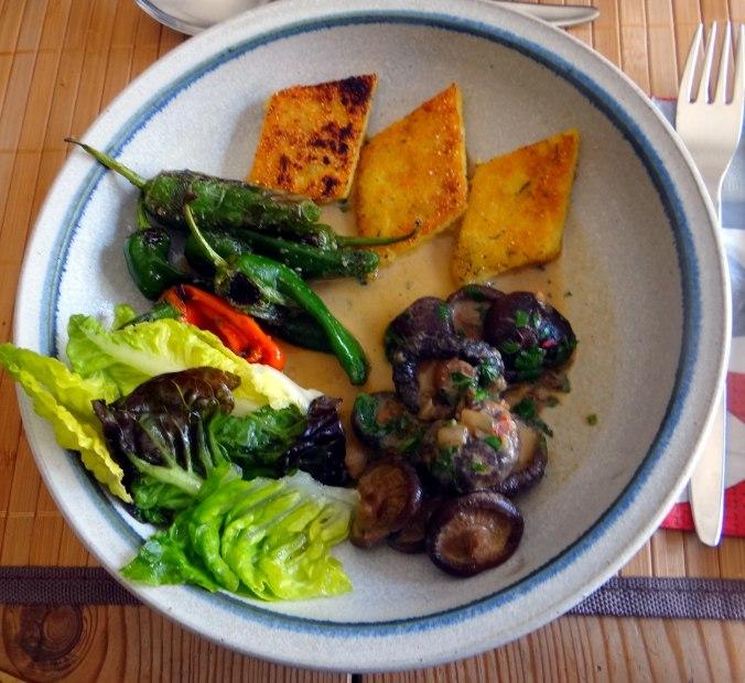 Shitake,Polenta,Pimientos,Salat, (2)