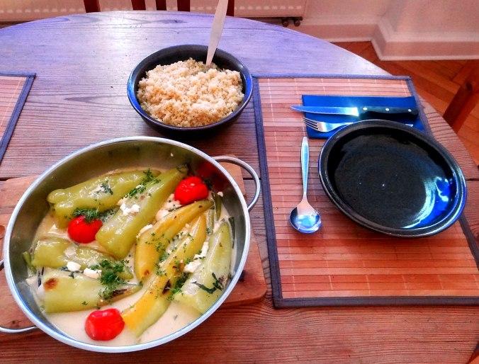 Spitzpaprika mit Wein,Bulgur,Aprikosenkompott,vegetarisch (4)