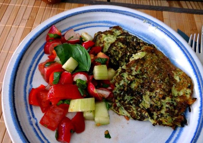 Zucchini Puffer,Salat (18)