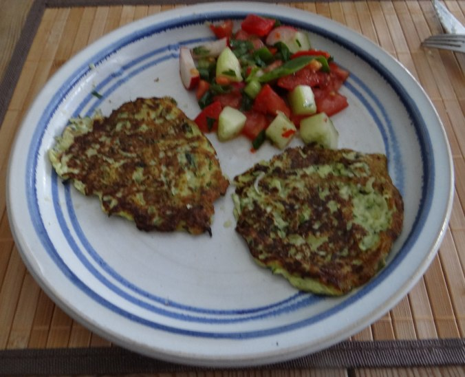 Zucchini Puffer,Salat (19)