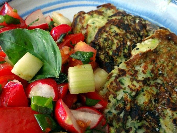 Zucchini Puffer,Salat (3)