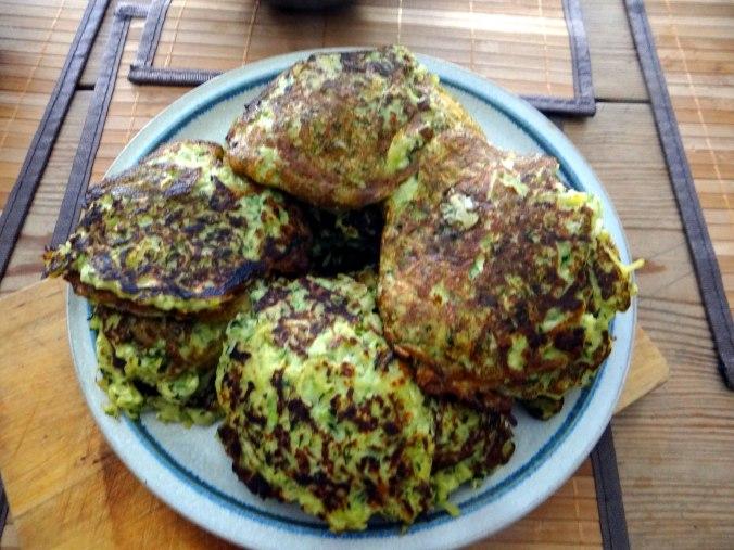 Zucchini Puffer,Salat (4)