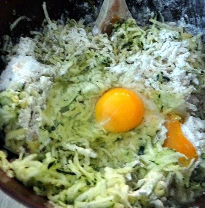 Zucchini Puffer,Salat (8)