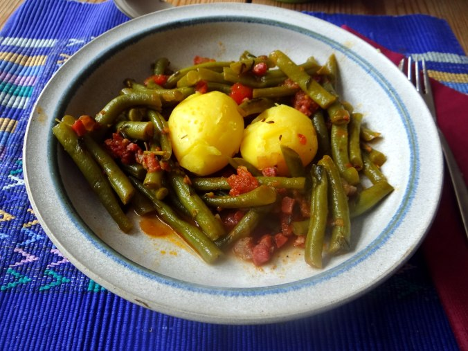 Bohnengemüse,Pellkartoffeln,Obstsalat (10)
