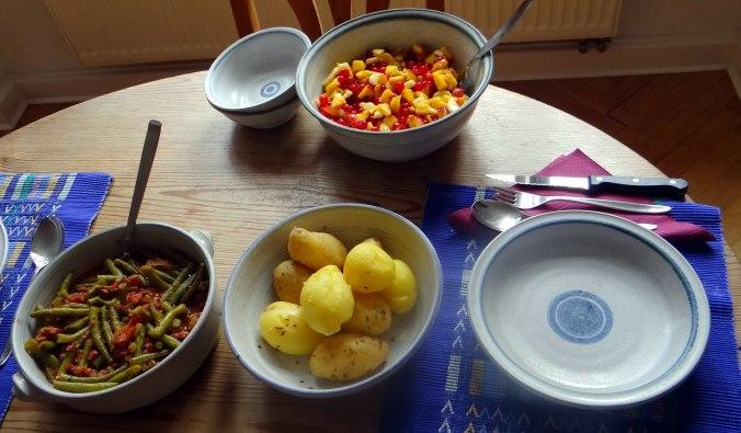 Bohnengemüse,Pellkartoffeln,Obstsalat (3)