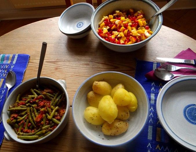 Bohnengemüse,Pellkartoffeln,Obstsalat (8)