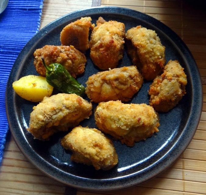 Fritierte Portobello,Bratkartoffeln,Pimientos,Salat,vegan (10)