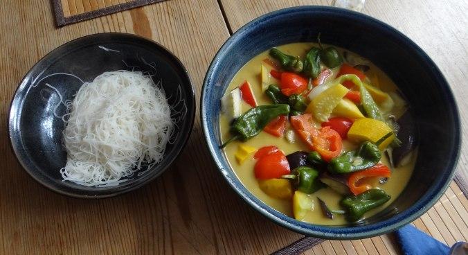 Gemüse in Kokosmilch,Vanillepudding,Sahne (15)