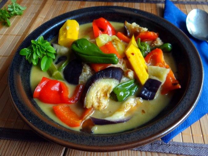 Gemüse in Kokosmilch,Vanillepudding,Sahne (2)