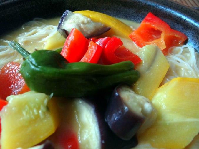 Gemüse in Kokosmilch,Vanillepudding,Sahne (3)