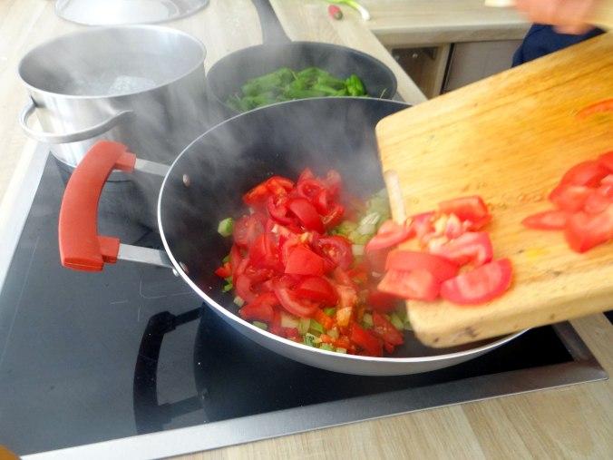 Grüne Nudeln mit Gemüse (8)