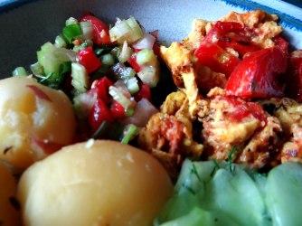 Kartoffeln,Rührei,Salate (13)