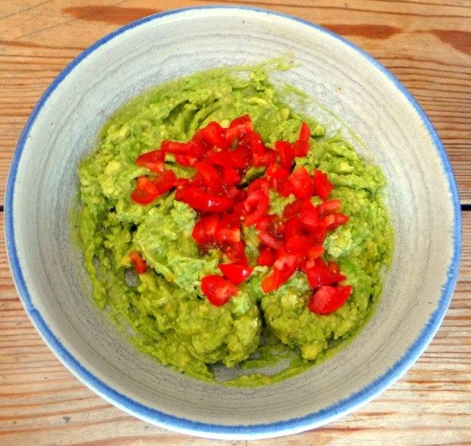 Lauwarmer Zucchinisalt,gedämpfte Möhren,Gurkensalat,Guacamole (12)