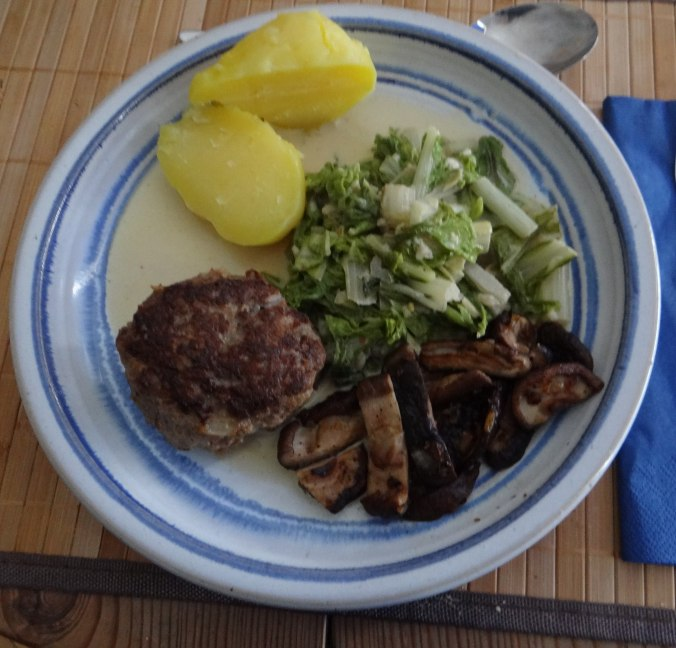 Mangoöld,Shitake,Frikadelle,Pellkartoffel,Ananas,Kokosschaum (1)