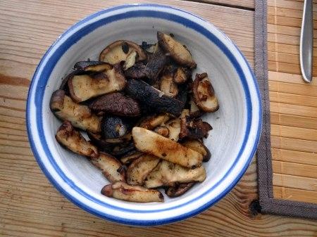 Mangoöld,Shitake,Frikadelle,Pellkartoffel,Ananas,Kokosschaum (19)