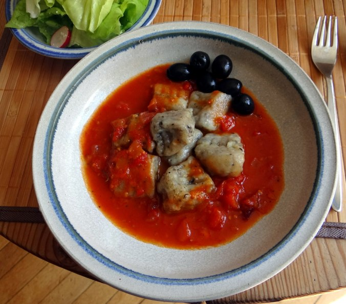 Oliven Gnocchis,Salat (2)
