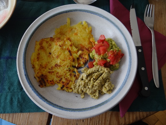 Rösti,Guacamole,Tapenade,Salat,vegetarisch (2)