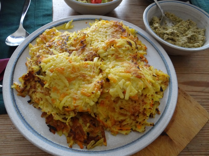 Rösti,Guacamole,Tapenade,Salat,vegetarisch (3)