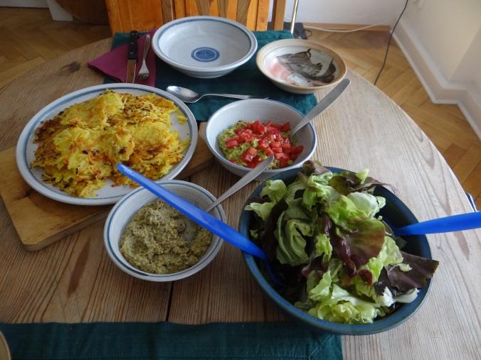 Rösti,Guacamole,Tapenade,Salat,vegetarisch (4)