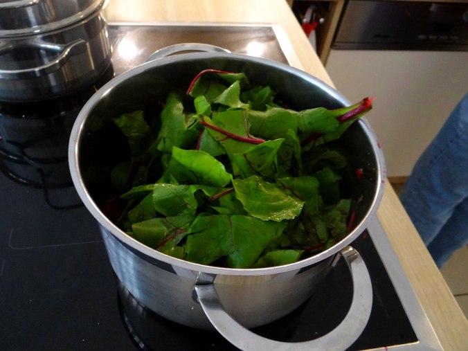 Rote Beete Gemüse,Garnelen,Pellkartoffeln (15)