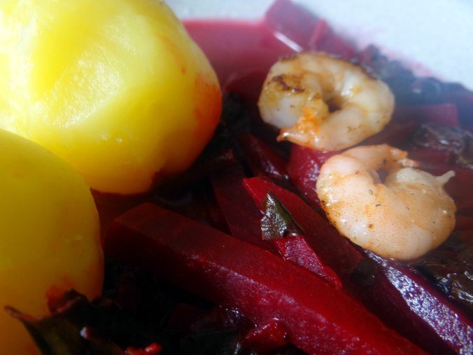 Rote Beete Gemüse,Garnelen,Pellkartoffeln (3)