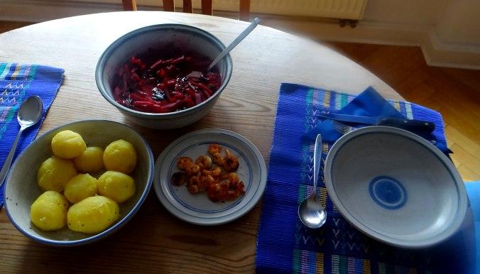 Rote Beete Gemüse,Garnelen,Pellkartoffeln (4)
